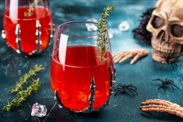 Easy Halloween Cocktails To Toast The Spooky Season - Cover Image