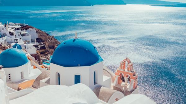 Five Top Destinations In Greece For Luxury Vacations - Cover Image