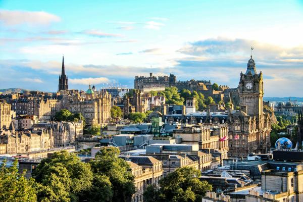 24 Hours In Edinburgh: The Ultimate 24 Hour Itinerary - Cover Image