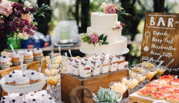 Five Alternatives to the Traditional Wedding Cake - Cover Image