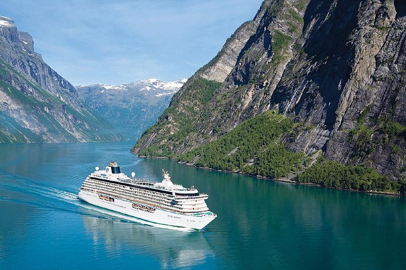 Luxury Cruise Liner Announces Arctic Cruise