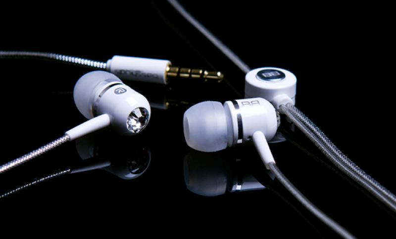 Audio Universe Launches the High Performance, Luxury Headphones Brand