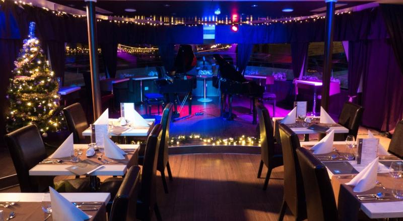 Celebrate Christmas Eve on a luxury boat 24th December!