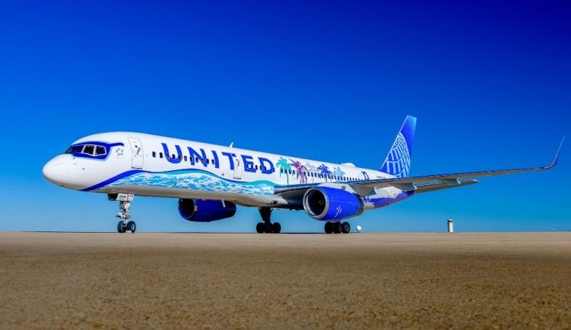 California-themed United Airlines Plane Soars into The Friendly Skies