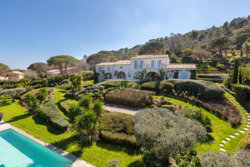 Easter Villa Holidays In St Tropez: Idyllic Villas With Large Gardens