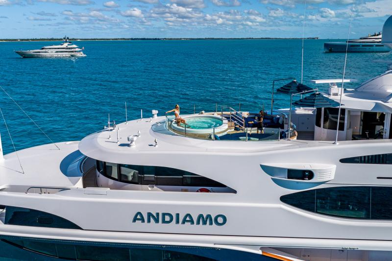 The Benefits Of Booking A Charter Yacht With A Spa