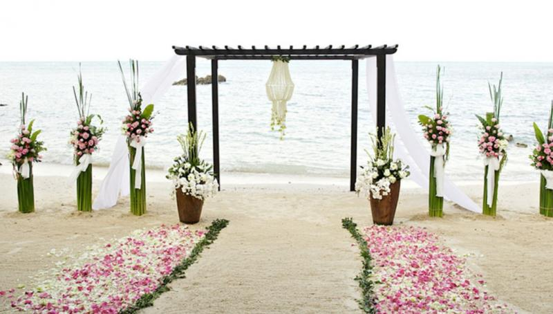 Destination Wedding Travel Agent vs. Wedding Planner: What's the Difference?